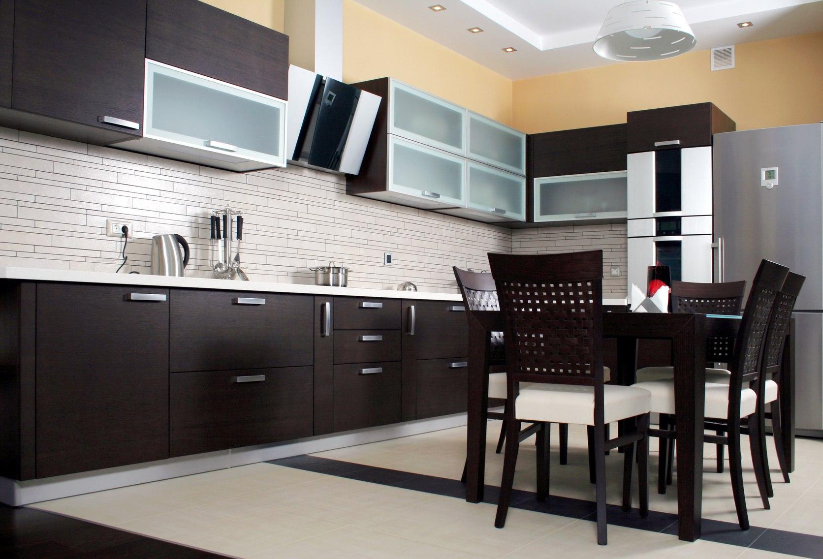Картинки коричневой кухни